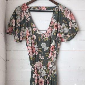 Billabong floral above the knee dress w/ low back